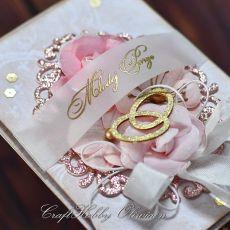 Ślubne obrączki w różu