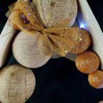 Drewniana choinka w odcieniach złota LED -