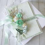 """Kartka urodzinowa w pudełku """"Łagodna zieleń"""""""