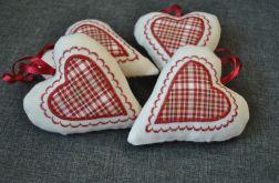 Skandynawskie serce z białego filcu
