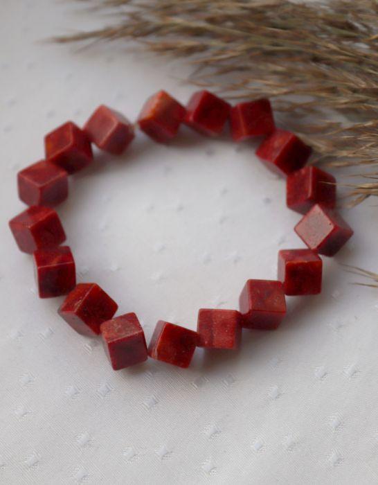 Bransoletka z kostek korala czerwonego