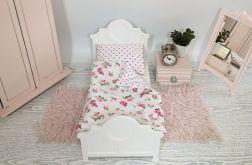 Białe łóżko dla lalki lub misia