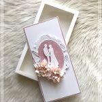 Kartka ślubna w pudełku z okienkiem pink