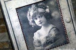 Szafka klucze dziewczynka retro motyle