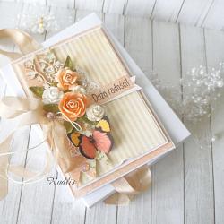 """Kartka urodzinowa w pudełku """"Optymistyczna"""""""