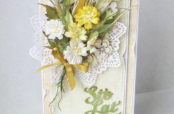 Z bukietem kwiatów 2