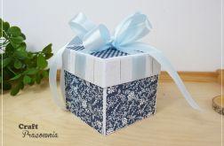 Granatowy box ślubny