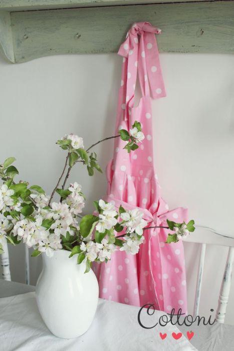 Fartuszek różowy groszek