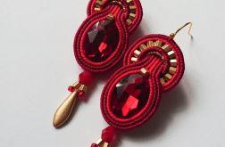Czerwone kolczyki z dodatkiem złota