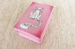 Pudełko malowane małe-Kotek w jasnym różu