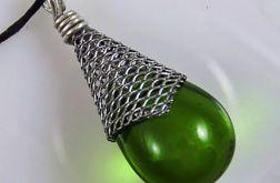 Oliwkowy w rożku - wisior