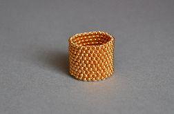 Pierścionek koralikowy złoty 3