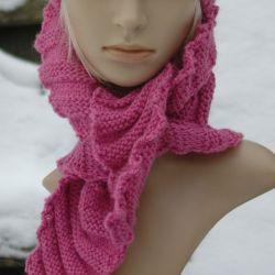Różowy szalik chusta