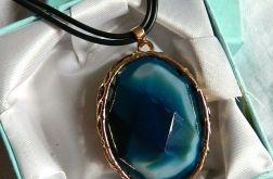 Niebieski agat w złotej oprawie,duży wisior