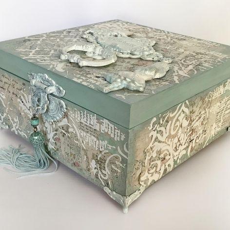 Szkatułka, pudełko vintage Alicja w Krainie Czarów