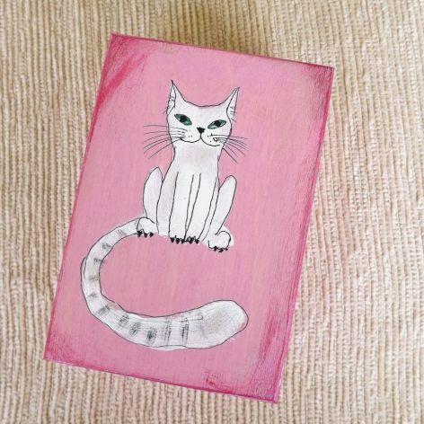 Pudełko malowane śr. - Kot w jasnym różu