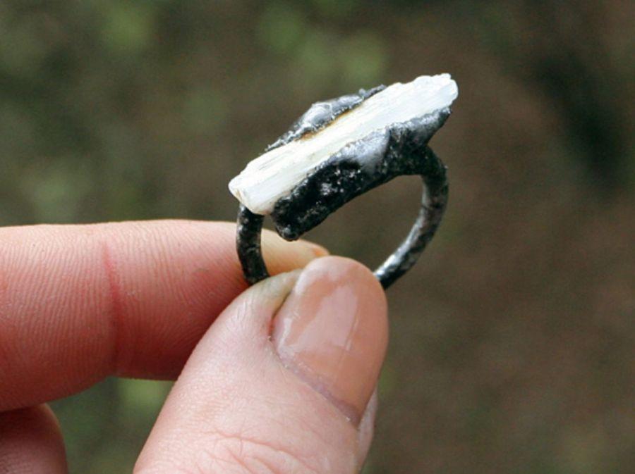 Minimalistyczny selenit - kamień naturalny