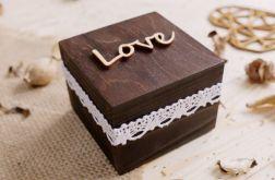 Małe pudełeczko na obrączki ślubne