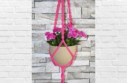 Różowy makramowy kwietnik AG73