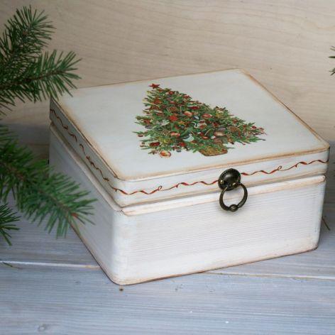 Pudełko z choinką