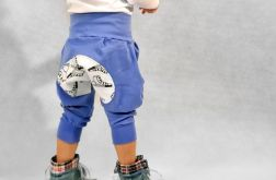 Smerfowe spodnie z trampkiem