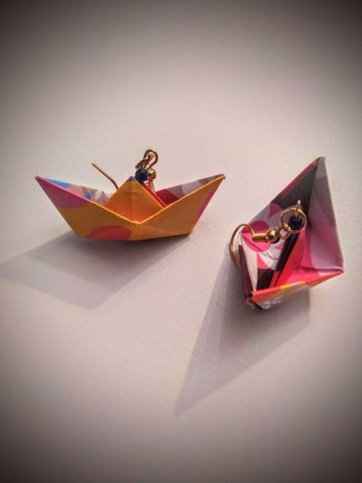 Kolczyki origami łódki kolorowe - Z boku