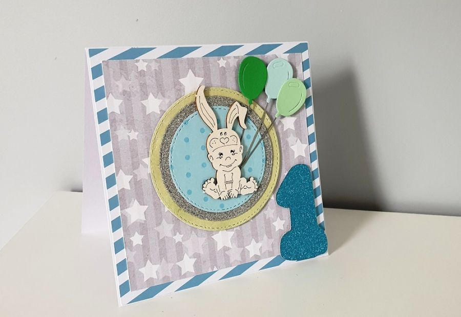 Kartka na Roczek niebieska królik baloniki -
