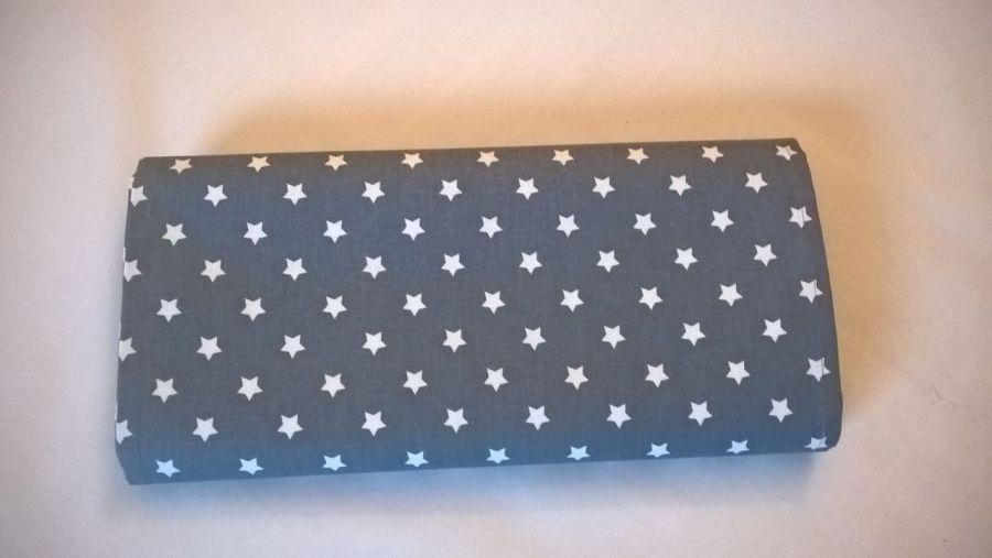 Bieżnik szary w białe gwiazdki 140 x35.5cm