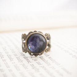 Retro pierścionek z malowanym szkłem - kosmos