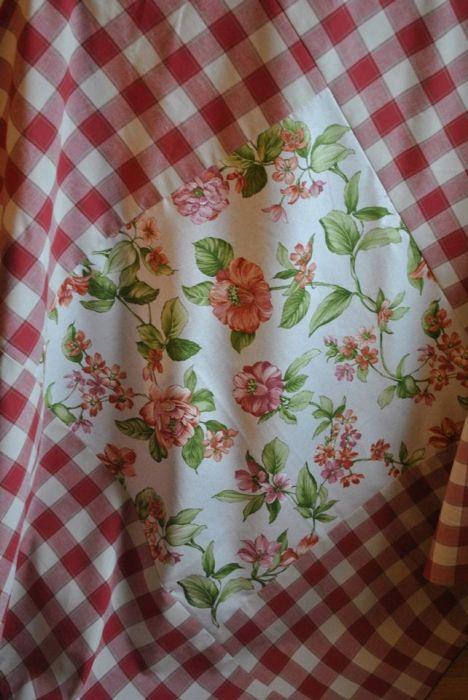 Kwadratowy obrus 125x125 - rustykalne kwiaty