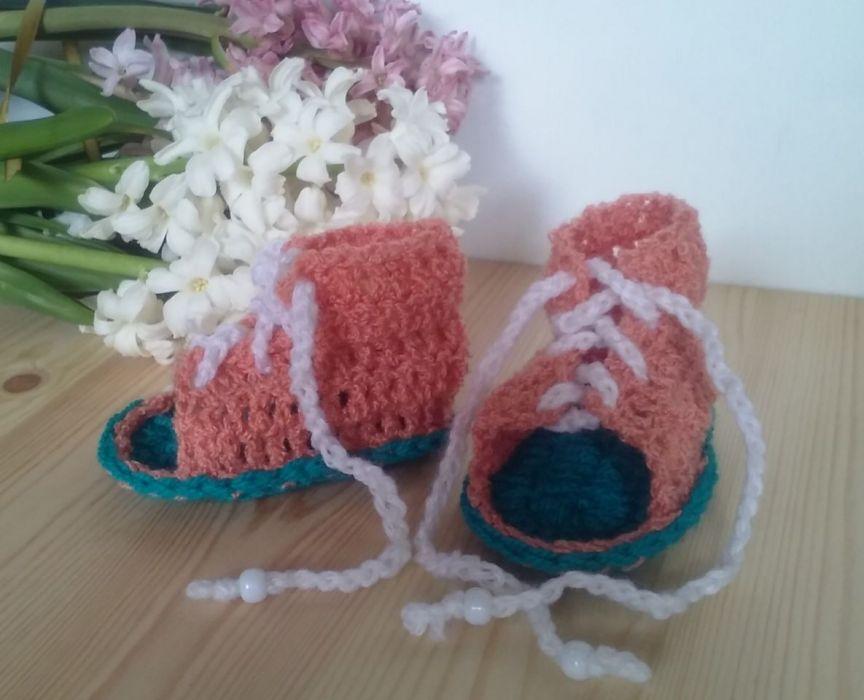 Sandałki sznurowane 10cm - buciki szydełkowe