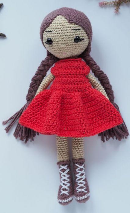 Szydełkowa lalka Tosia dla dziewczynki -