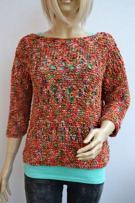 Kolorowa bluzeczka-sweterek