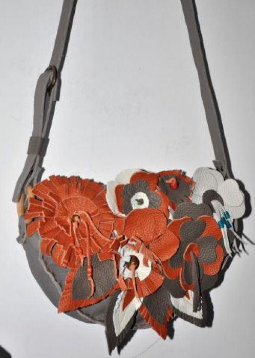 8a78aad61de1a Recznie szyta skórzana kwiatowa torba Recznie szyta skórzana kwiatowa torba  ...