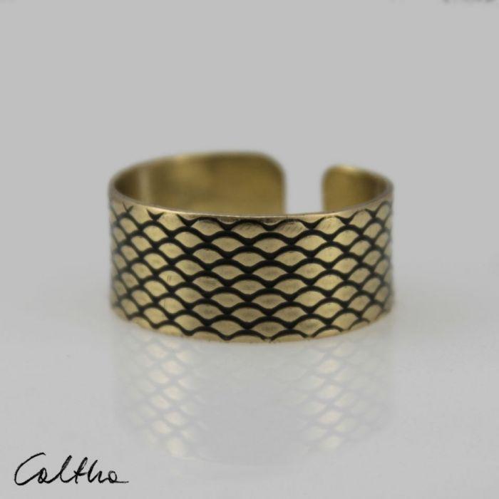 Rybia łuska - mosiężna obrączka 130620-09 - Otwarty pierścionek