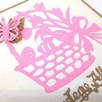 Kartka wielkanocna - różowy koszyczek  - motylek 3D
