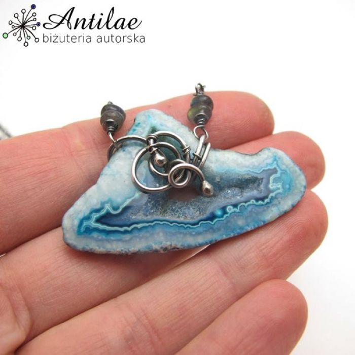 Agat z druzą, błękitny naszyjnik, srebro