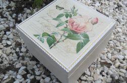 Kufer róże
