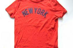 M- czerwona koszulka napisem NEW YORK