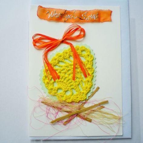 Kartka Wielkanocna z szydełkową pisanką