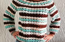 Swetr wykonany szydełkiem
