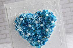 Niebieskie serce w perłach