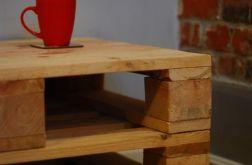 Stolik z palet z pełnym blatem handmade