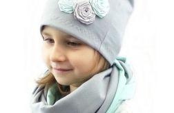 Pastelowa czapka i komin dla dziewczynki