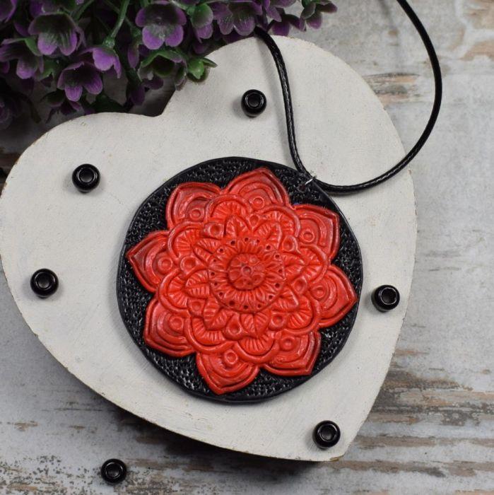 Wisiorek Czerwona Mandala - czerwona mandala