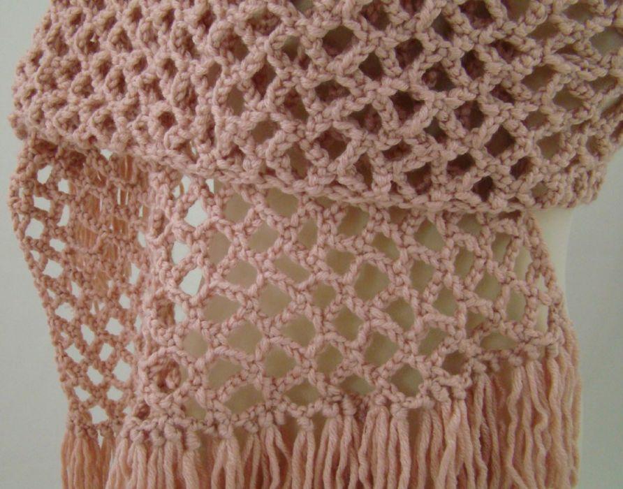 szal ażurowy z frędzlami - pudrowy róż