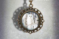 Medalion, naszyjnik - Biała sowa - zdobiony, stare złoto