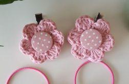 Różowe spinki i gumki