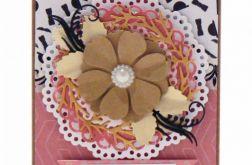 Różowa z kwiatem kraft kartka 18 urodziny