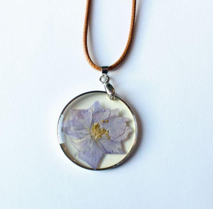 Naszyjnik KWIAT w żywicy, piękny naturalny - kwiat w żywicy 1